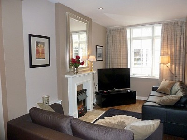 2 bedroom furnished apartment in River thames, London