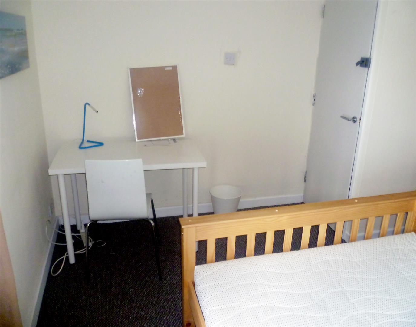 0 Bedroom Room